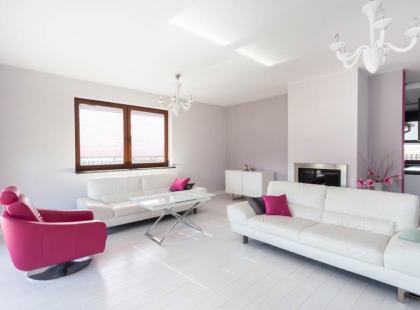Jak stylowo oświetlić salon?