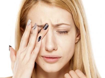 Jak szybko pozbyć się szczypania oczu?