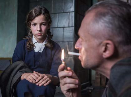 """Jak to jest grać u Wajdy? 15-letnia córka Zamachowskiego zagrała w """"Powidokach"""". Wróżycie jej sukces?"""