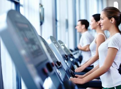 Jak trenować na bieżni?