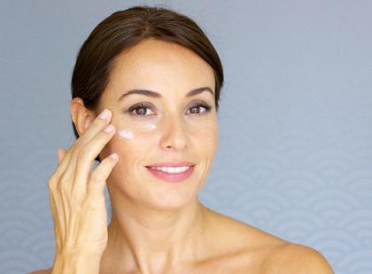 Jak ujędrnić skórę twarzy po 50. roku życia? Rewolucyjna metoda z wyspy Okinawa