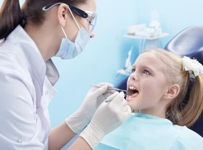 Jak umilić dziecku wizytę u dentysty?