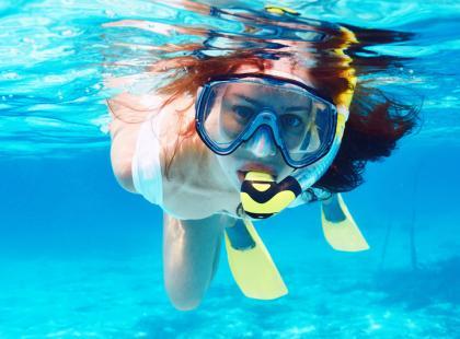 Jak uniknąć zapalenia ucha pływając?