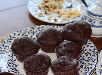Muffinki oblane czekoladą.