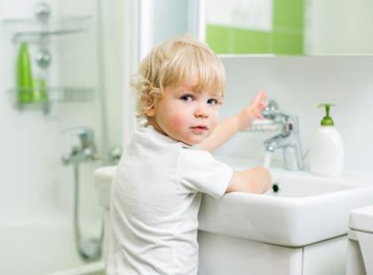 Jak urządzić łazienkę z której korzysta dziecko?