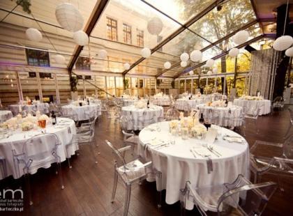 Jak usadzić gości na weselu?