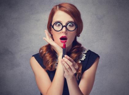 Jak usunąć plamy ze szminki?