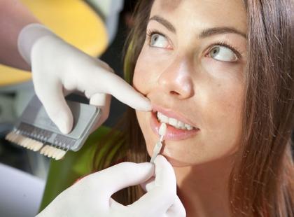 Jak uzupełnić pojedynczy ubytek zęba?