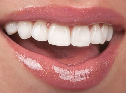 Jak walczyć z wrażliwością zębów?