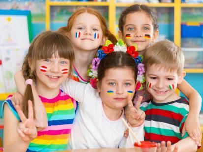 Jak wybrać dobrą szkołę językową dla dziecka i nie przepłacić?