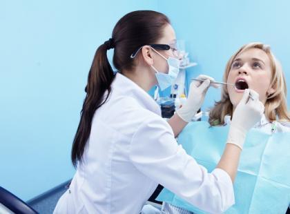Leczenie zębów/fot. Fotolia
