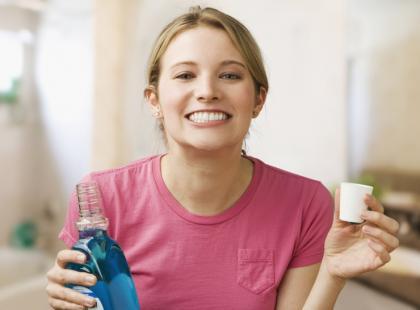 Jak wybrać dobry płyn do płukania ust?