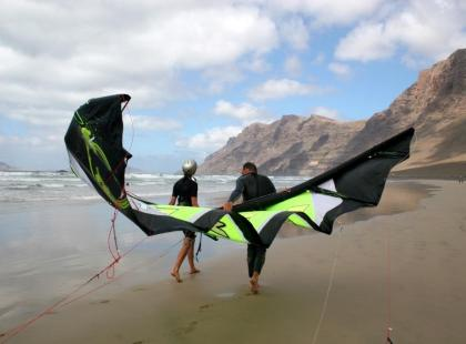 Jak wybrać latawiec do kitesurfingu?