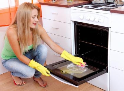 Jak wyczyścić piekarnik bez użycia detergentów?