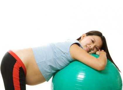 Jak wygląda rehabilitacja kręgosłupa u kobiety ciężarnej?