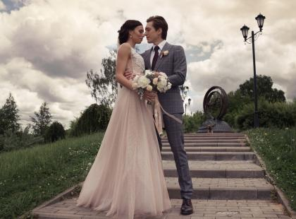 Jak wyglądać modnie w dniu ślubu? O trendach opowiada Izabela Janachowska!