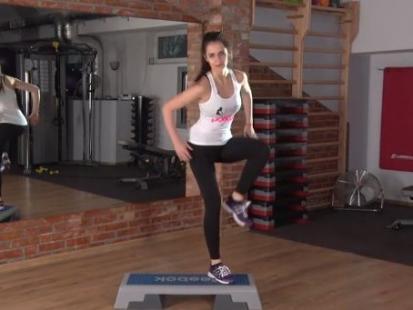 Jak wyglądają podstawowe ćwiczenia na stepie?