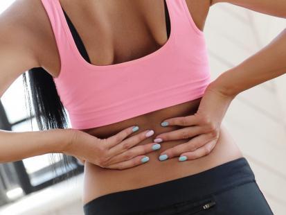 Jak wykonać masaż kręgosłupa dzięki rolce?