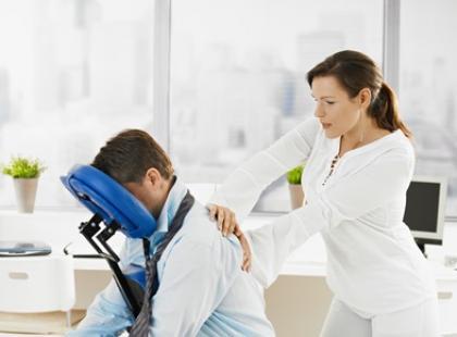 Jak wykonać masaż uśmierzający ból głowy?