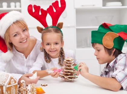 Rodzina i przygotowania do Świąt Bożego Narodzenia/ Fot. Fotolia