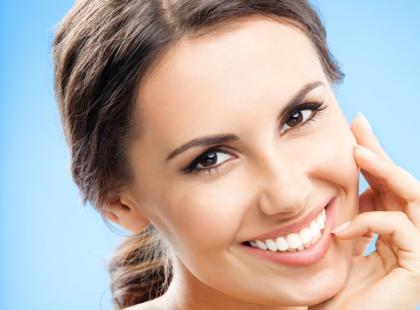 Jak zachować naturalną biel zębów?
