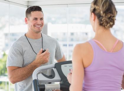 Jak zacząć ćwiczyć w klubie fitness?
