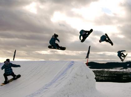 Jak zacząć freestyle w snowparku?