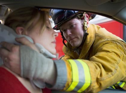 Jak zadbać o bezpieczeństwo na miejscu wypadku?