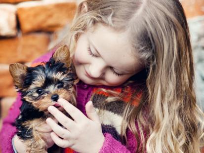 Jak zadbać o dobre relacje dziecka i psa?