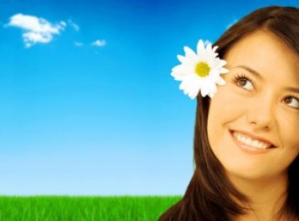Jak zadbać o włosy latem