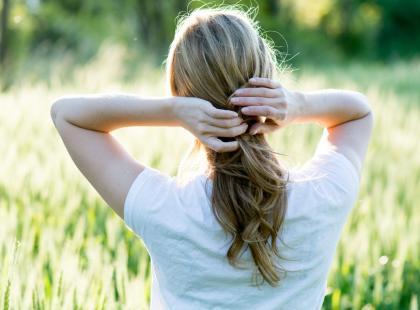 Jak zadbać o włosy po lecie?