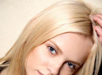 Jak zadbać o wrażliwą skórę głowy