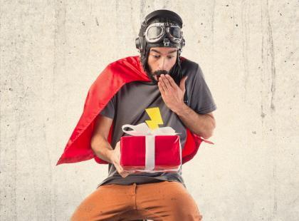 Jak zapakować prezent dla superbohatera?