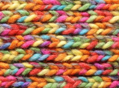 Jak zebrać miarę przed robótką na drutach?