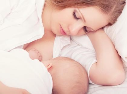 Jak zmienia się mleko matki w trakcie karmienia?