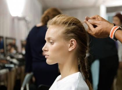 Jak znaleźć dobrego fryzjera? Wiemy, o co powinien zapytać podczas pierwszej wizyty!