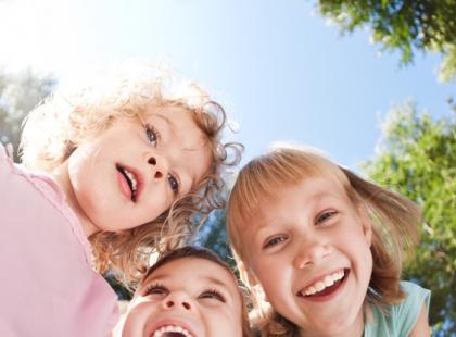 Jak zorganizować dziecku zabawę na świeżym powietrzu?
