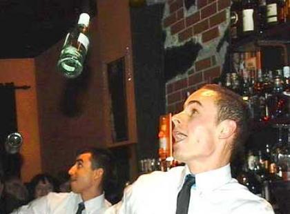 Jak zorganizować i co to jest drink bar na weselu?