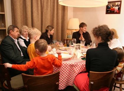 Jak zorganizować przyjęcie komunijne dla dziecka?