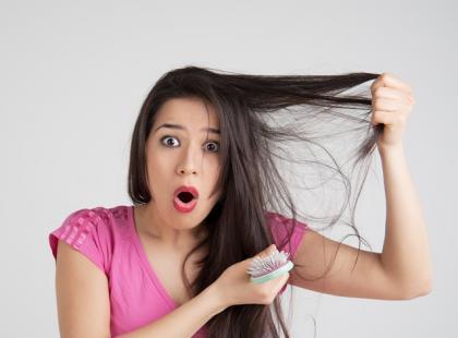 Jak zregenerować włosy po lecie? [wywiad z mistrzem fryzjerstwa]
