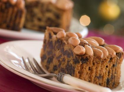 Jak zrobić dundee cake, szkockie ciasto świąteczne?