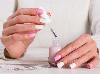 Jak zrobić (idealny) sweterkowy manicure?
