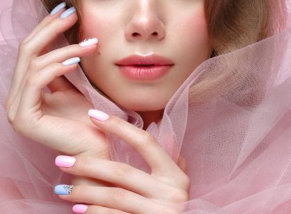 Jak zrobić klasyczny manicure? Poznaj przepis na piękne paznokcie!