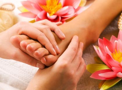 Jak zrobić leczniczy masaż stóp?