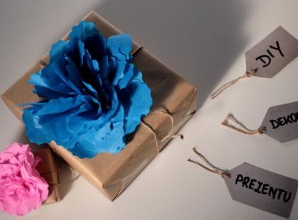 Jak zrobić ozdobną kokardę na prezent - DIY