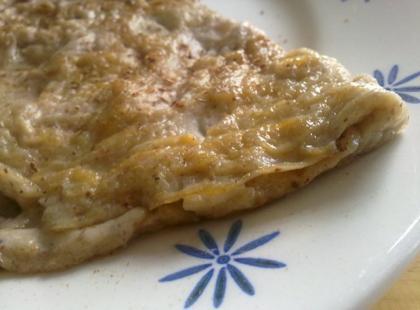 Staropolska jajecznica z winem to rodzaj słodkiego omletu.