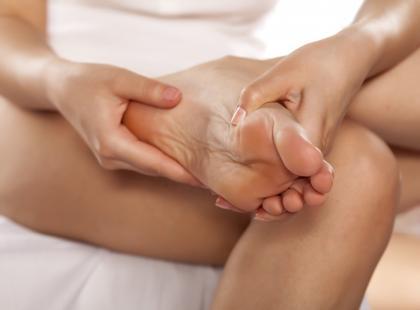 Jak zwalczyć ból za pomocą akupresury?