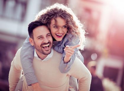 Jak żyć w małżeństwie? Poznaj 8 zasad, których przestrzeganie zmniejsza ryzyko rozwodu