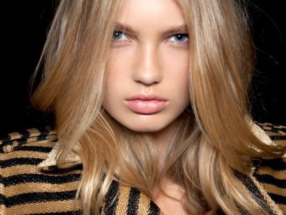 Jaka fryzura dla okrągłej twarzy