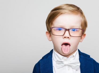 Jaka może być przyczyna zaburzeń mowy u dziecka?